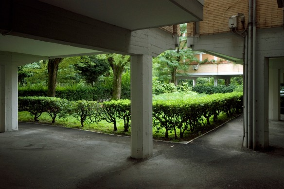 E Simpson, Courtyard Garden at Villaggio Olimpico, 2013