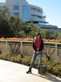 Alessandra in front of the Getty Research Center