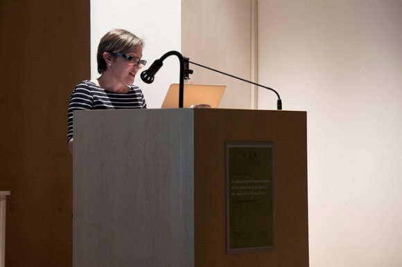Dunia Filippi lecturing. Photo by Antonio Palmieri.